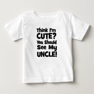 Denken Sie, dass ich niedlich bin?  Sie sollten Baby T-shirt
