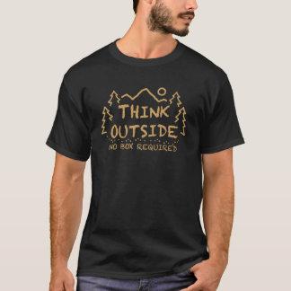 Denken Sie draußen, kein erforderter Kasten T-Shirt