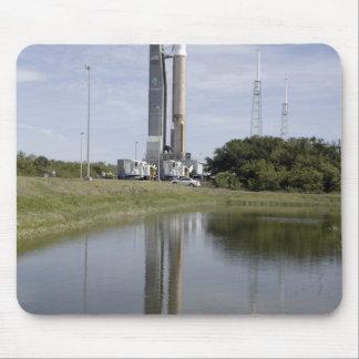 Der Atlas V/Centaur kommt auf dem Mousepads
