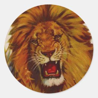 Der Aufkleber-Tier-Löwe knurrt Knäuels Maskottchen Runder Aufkleber