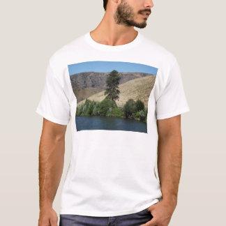 Der Baum auf der anderen Seite T-Shirt