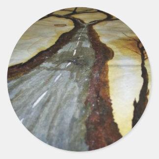 Der Baum des Lebens mit der Straße dieses Runder Aufkleber