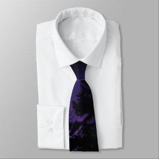 Der Baum-Silhouette-Krawatte der Männer lila Krawatte