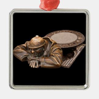 Der Beobachter Quadratisches Silberfarbenes Ornament