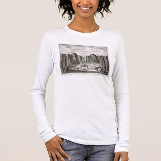 Der Brunnen im Labyrinth am fürstlichen Vergnügen Langarm T-Shirt
