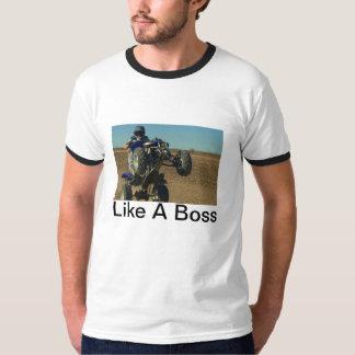 Der Chef auf zwei T-Shirt