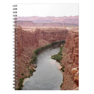 Der Colorado nahe Navajo-Brücke, Arizona, USA Spiral Notizblock