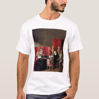 Der Dauphin genommen von seiner Familie, am 3. T-Shirt