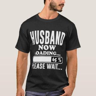 DER EHEMANN, DER JETZT BITTE LÄDT, WARTEN T-Shirt