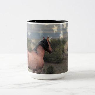 """Der """"Ehren"""" Mustang und die amerikanische Zweifarbige Tasse"""