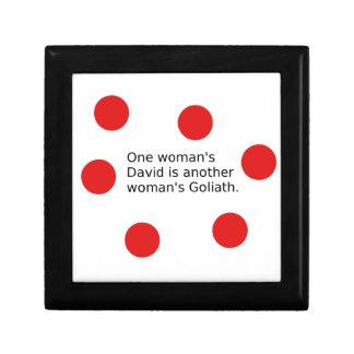 Der ein David der Frau ist der Goliath einer Geschenkbox