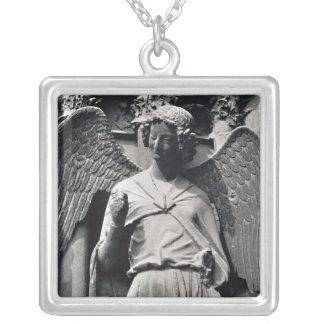 Der Engel mit einem Lächeln Halskette Mit Quadratischem Anhänger
