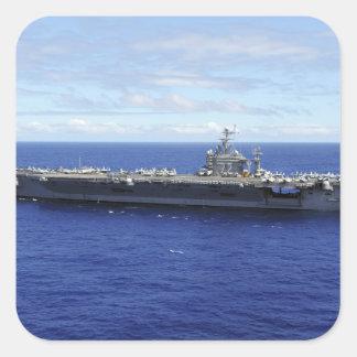 Der Flugzeugträger USS Abraham Lincoln 2 Quadrat-Aufkleber