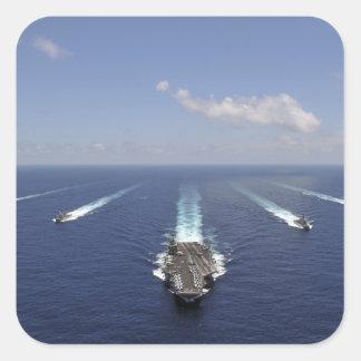 Der Flugzeugträger USS Abraham Lincoln Quadratischer Aufkleber