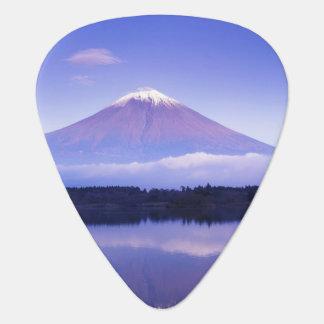 Der Fujisan mit lentikularer Wolke, Motosu See, Plektron
