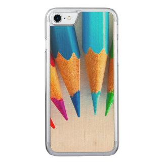 Der gefärbte Regenbogen zeichnet Foto an Carved iPhone 8/7 Hülle