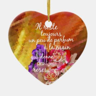 Der Geruch der Rosen bleibt weiterhin in der Hand Keramik Herz-Ornament