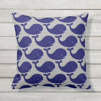 Der glückliche Blauwal Kissen Für Draußen