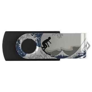 Der große Surfer von Kanagawa USB Stick
