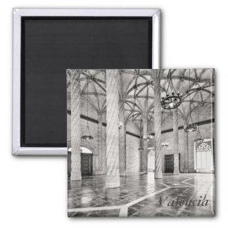 Der Hall der Spalten in Valencia Quadratischer Magnet