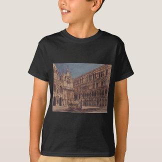 Der Hof des Palastes des Doges in Venedig T-Shirt