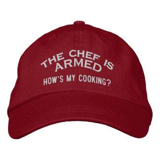 Der Koch ist BEWAFFNETE 2 Bestickte Baseballkappe