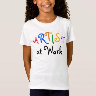 """Der Künstler des Mädchens """"bei der Arbeit"""" zurück T-Shirt"""