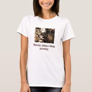 Der künstlerische Schmuck des Blumen-Kindes T-Shirt