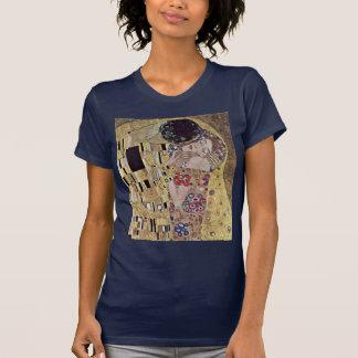 Der Kuss (Detail) durch Klimt Gustav Tshirts