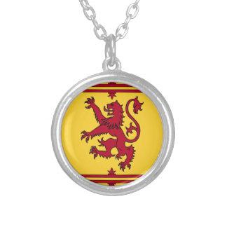 Der Löwe zügellos von Schottland Versilberte Kette