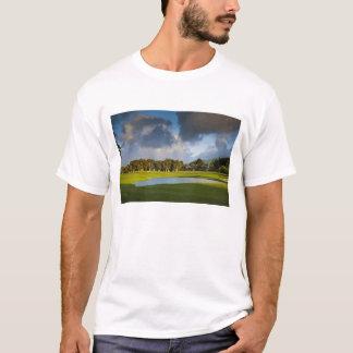 Der Makai Golfplatz in Princeville 4 T-Shirt
