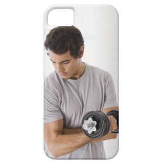 Der Mann, der Arm tut, kräuselt sich mit Gewichten Barely There iPhone 5 Hülle