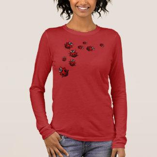 Der Marienkäfer-Shirt-rotes Langärmeliges T-Shirt