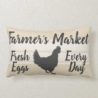 Der Markt-frische Ei-Henne des Bauern der Lendenkissen