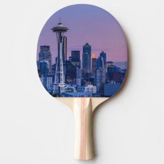 Der Mount Rainier im Hintergrund Tischtennis Schläger