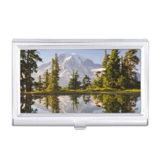 Der Mount Rainier reflektierte sich in einem Tarn Visitenkarten Etui