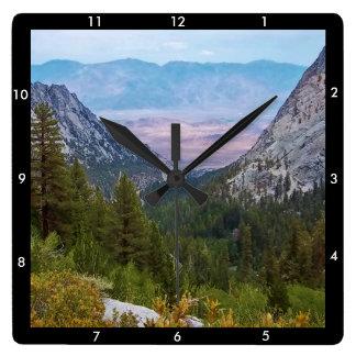Der Mount- Whitneyhinteransicht #2: Prachtvolle Quadratische Wanduhr