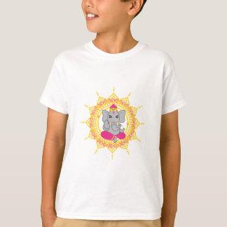 Der niedliche T - Shirt Ganesha Kindes