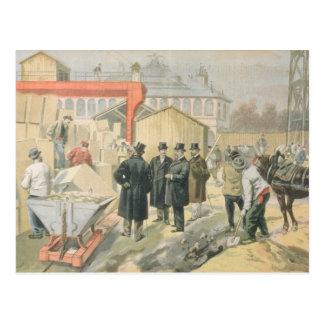Der Prinz von Wales das Gebäude besichtigend Postkarte