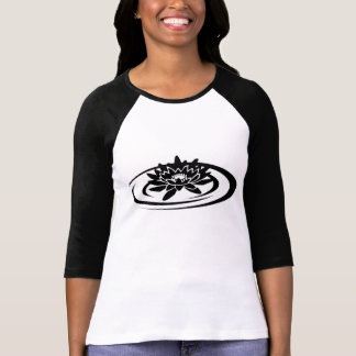Der Raglan-Hülsen-T - Shirt der sich hin- und