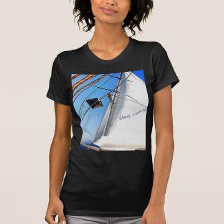 Der Realist justiert die Segel T-Shirt