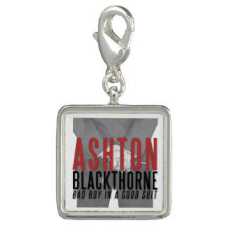 Der reizend Ashton Blackthorne Charme Charm