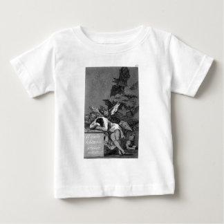 Der Schlaf des Grundes produziert Monster durch Baby T-shirt