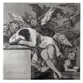 Der Schlaf des Grundes produziert Monster Keramikfliese