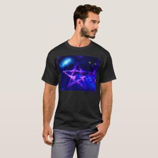 Der schwarze T - Shirt der Männer mit geistigem