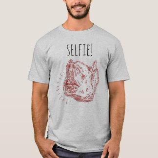 Der Selfie der Männer T - Shirt: Lächelnder Tapir T-Shirt