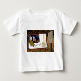 Der spezielle Hund Baby T-shirt