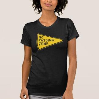 Der T - Shirt keiner überschreitenen Zonen-Frauen