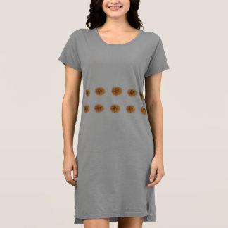 Der T - Shirt-Kleid der Frau Kleid