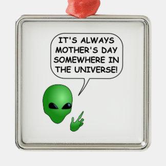 Der Tag der alien-Mutter Quadratisches Silberfarbenes Ornament